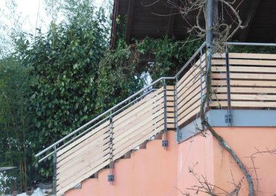 Geländer mit Holz