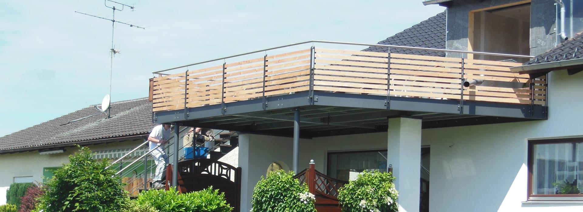 Stahlbau bei Balkon