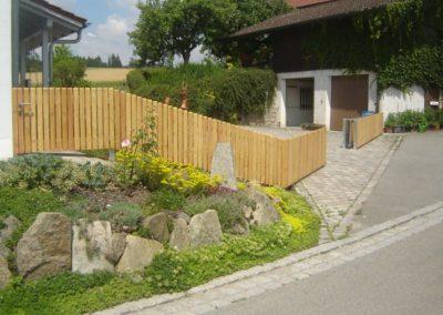Gartentor mit Elektoantrieb und Holzverkleidung