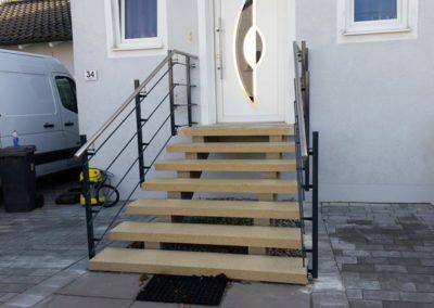 Treppe und Geländer im Außenbereich